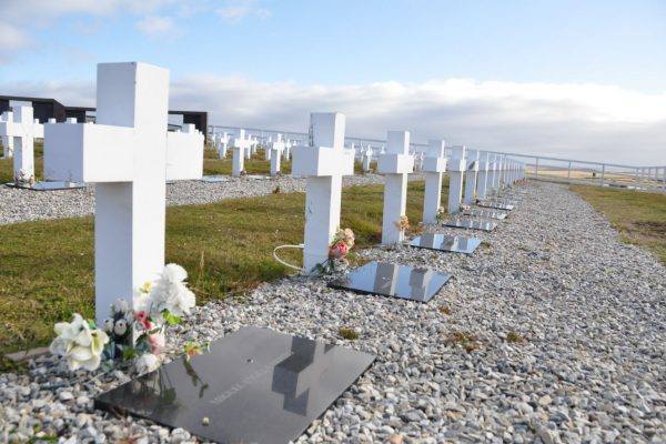 More Argentine bodies at Teal Inlet?